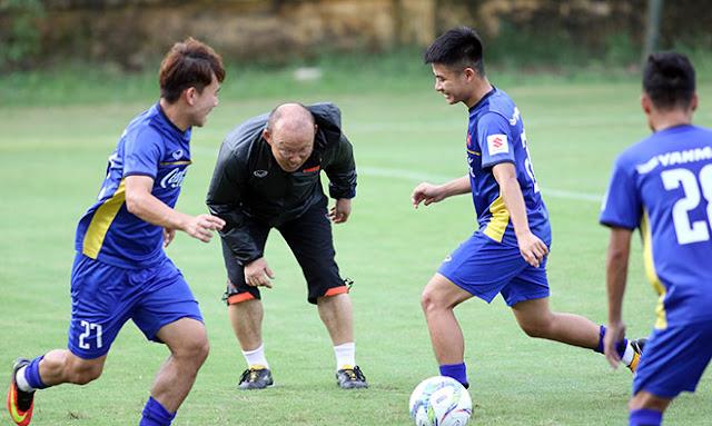 """U23 Việt Nam: HLV Park Hang Seo hé lộ """"danh sách mật"""" dự ASIAD 2018?"""