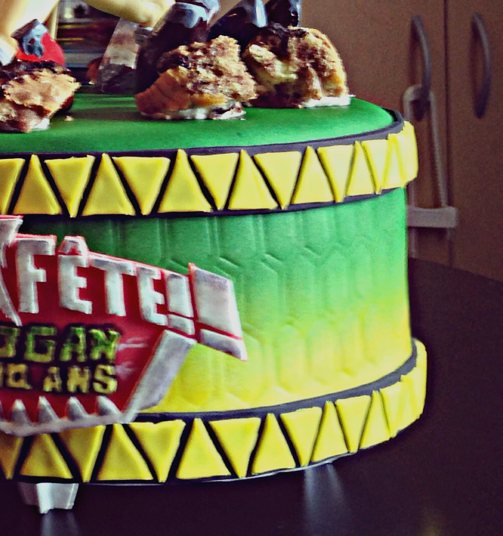 Le Blog D'evy: Power Rangers Dino Charge Birthday Cake