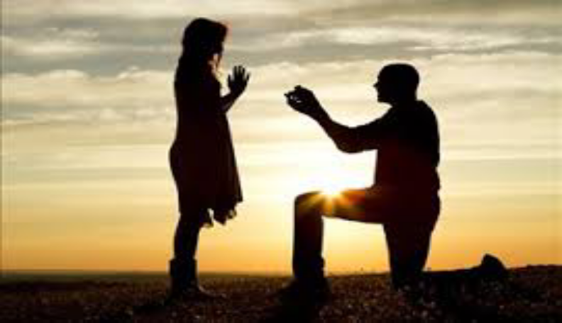 3 Ways To Confess Your Love To Your Date (And Get A Positive Response)