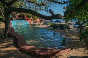 honeymoon-destinations-on-a-budget-jamaica