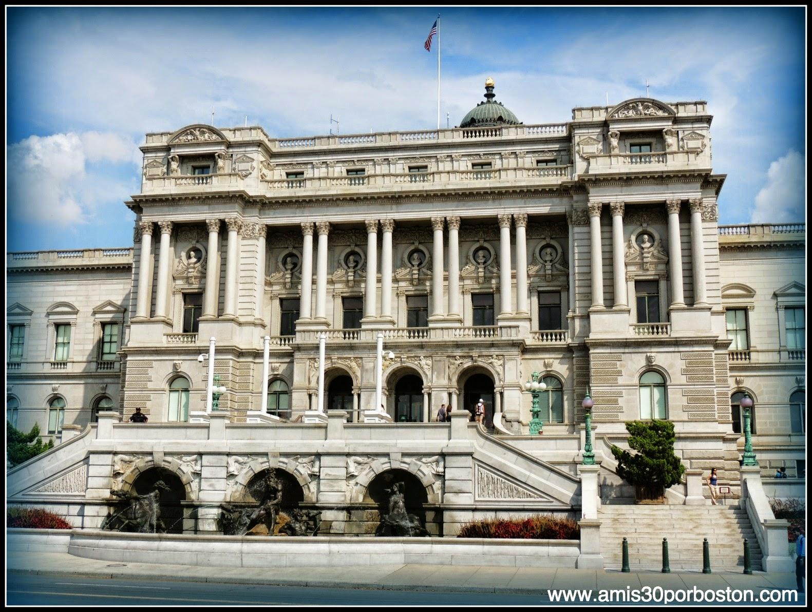 Biblioteca del Congreso de Estados Unidos. Edificio Thomas Jefferson en el National Mall de Washington D.C.