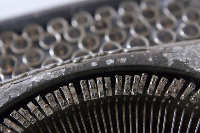 မိုက္ခဲစိန္ – ေအးၿငိမ္း၏ 'စိတ္ပ်က္စရာ ျမန္မာစာေရးပံု၊ ဘာသာျပန္ပံုႏွင့္ ကြန္ျပဴတာ စာ႐ိုက္ပံုမ်ား' ပို႔စ္ ေပ်ာက္ဆုံးမႈ ရွာပုံေတာ္