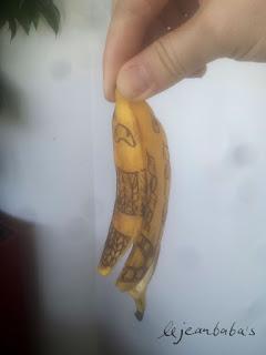 Vorsicht: Tätowierte Banane / tattooed banana