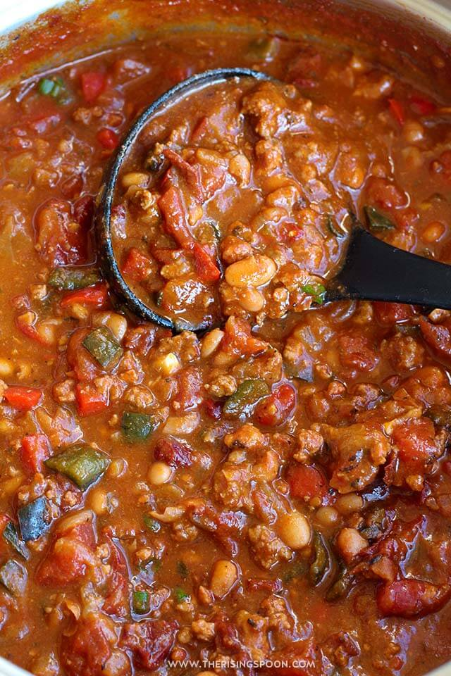 Beef & Chorizo Chili: An easy recipe for flavorful chili that's smoky and slightly spicy. Perfect for the meat lovers in your life or anyone who wants a warm comforting meal with simple ingredients.