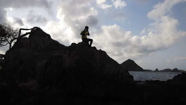 Gembira di Pantai Kuta Lombok, Nusa Tenggara Barat