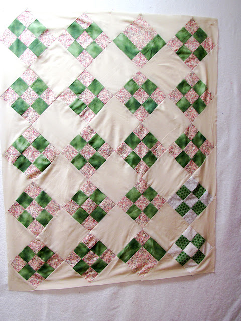 "quilt top measures 34"" x 42"" - toddler size"