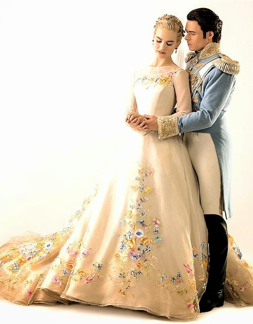 Casamento principe Kit e Ella figurino azul e branco