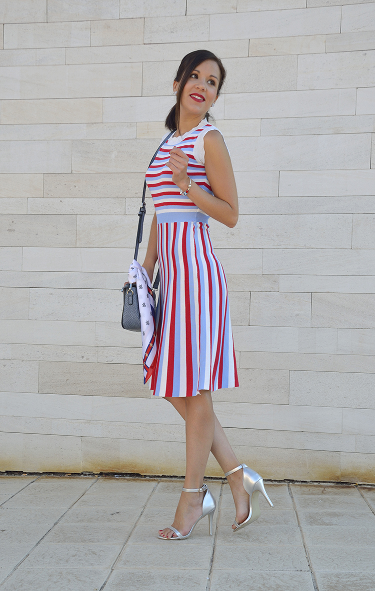 stripes_dress_summer_look_silver_sandals_scarf_trends_gallery