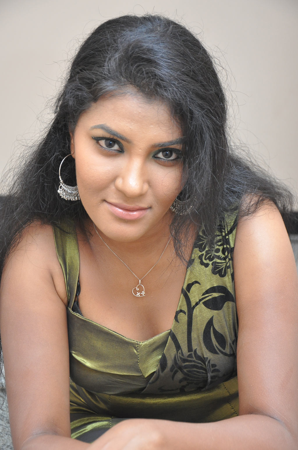 actress tamil rhythamika stills launch unknown special telugu actor latest press