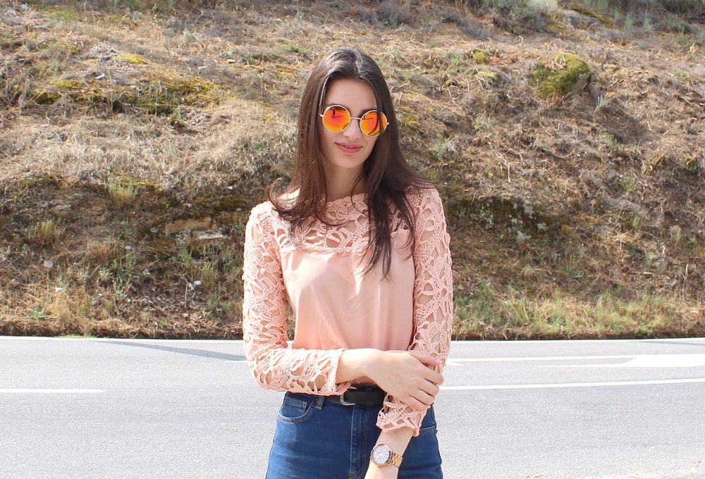 peexo-fashion-blogger-wearing-lace-top-and-rose-gold-sunglasses
