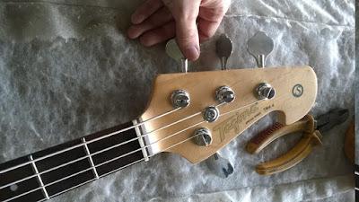 jazz bass tagima
