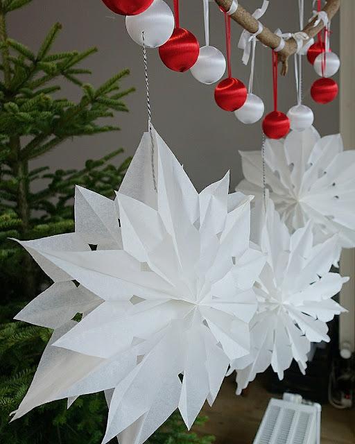 Sterne aus Papiertüten basteln