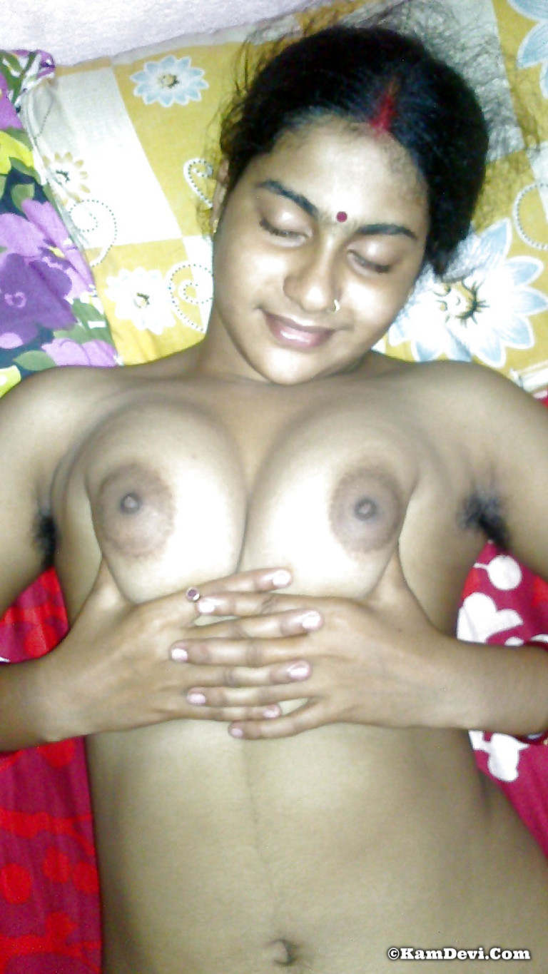 Indian-Bengali-Bhabhi-Showing-Nude-Big-Boobs - Indian-Nude -9186
