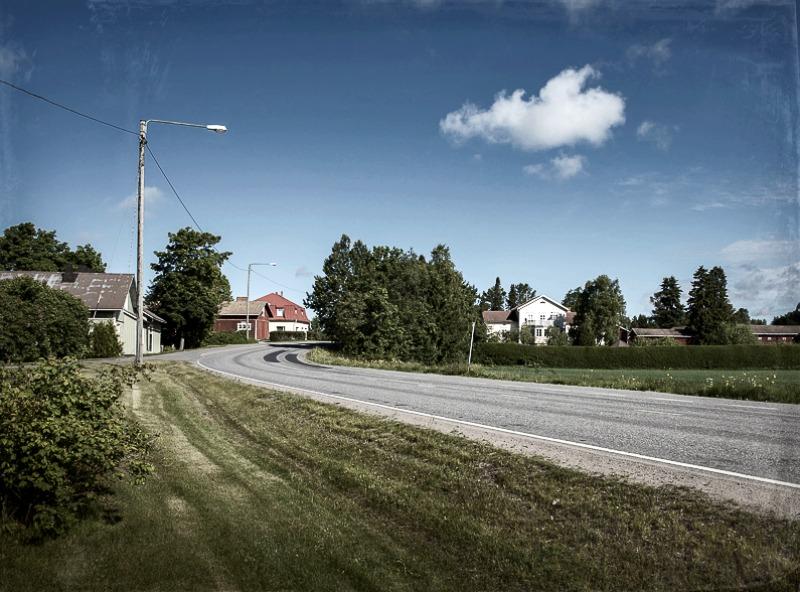 Luvia, suomi, maisema, valokuvaus, photoshoot, valokuvaaja, Frida Steiner, meri, finland, scenery, behind the scenes, tie, road