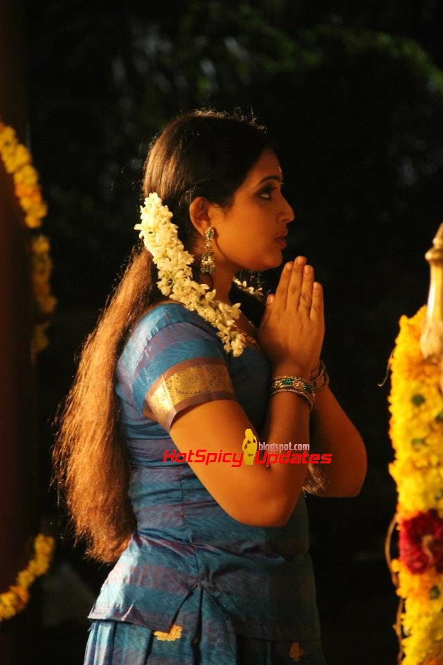 Malayalam actress ranjini hot unseen boobs squeezed - 1 5