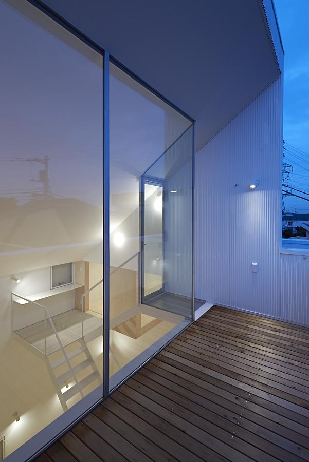 20-A-L-X-Sampei-Junichi-Architecture-Building-that-Envelops-Beauty-www-designstack-co
