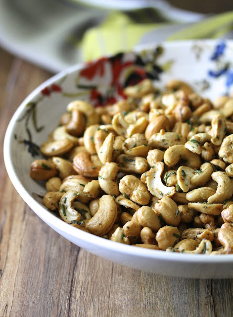 Rosemary, Cayenne, and Brown Sugar Cashews