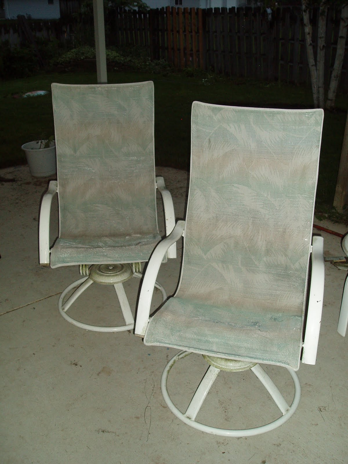 Recovering Lawn Chairs Bistro Table And 2 Garden Sew What 39s Happening Part 1