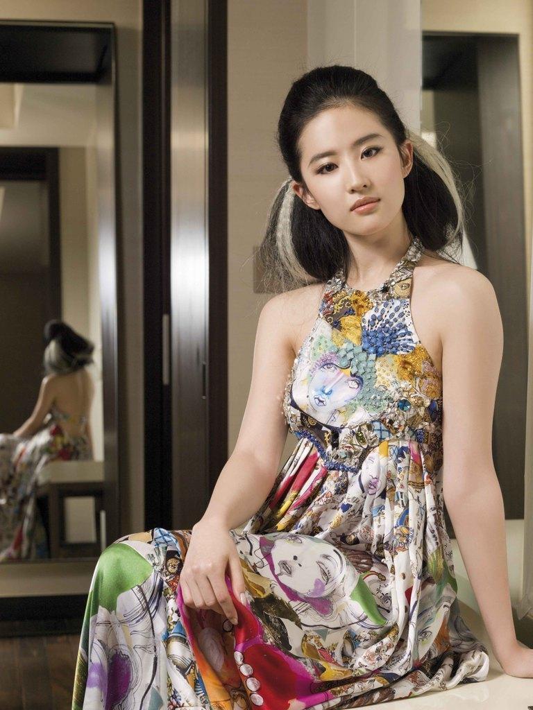 Yifei Liu: Liu Yifei Hot Chinese Actress Biography And Photos