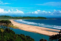 Keindahan Wisata Pantai Sawarna, Banten