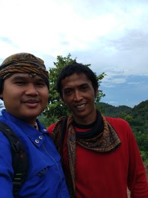 Wisata Bukit Pangonan Akang Selfi bersama Mas Singgih sang Owner