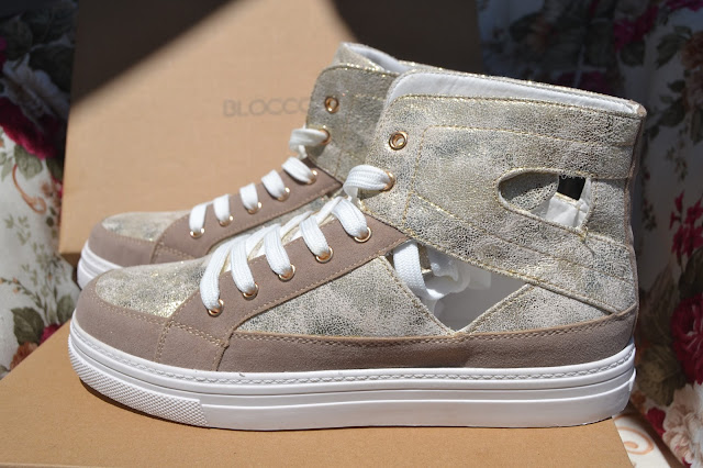 http://www.syriouslyinfashion.com/2015/06/blocco-31-golden-cut-out-sneakers.html