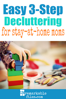 I consider myself a minimalist, but my kids are hoarders and sometimes I don't know how to get rid of the stuff we accumulate. Here are my best tips and ideas to declutter and organize every room of the house, in three simple steps. #declutter #organization