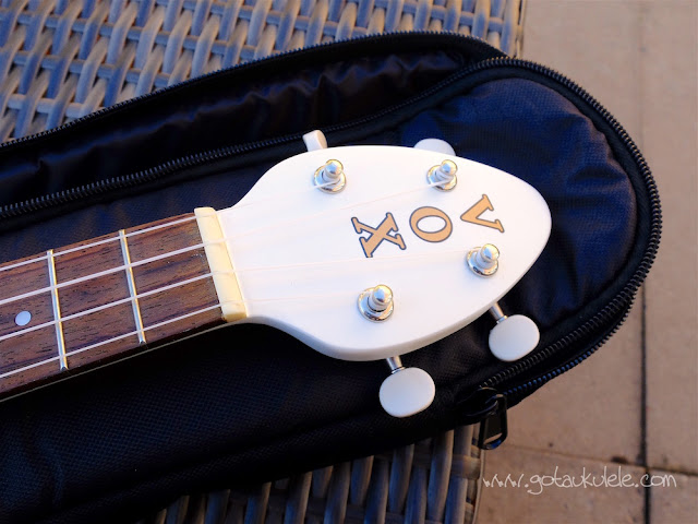 Vox Ukelectric 33 concert ukulele headstock