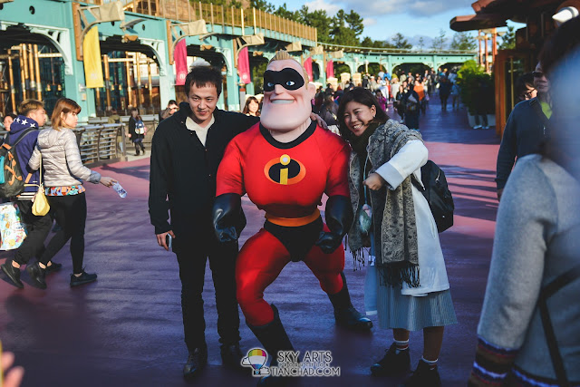 Mr Incredible in Tokyo Disneyland