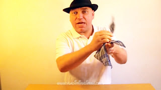 Manualidades y trucos con nudos en el pañuelo 08