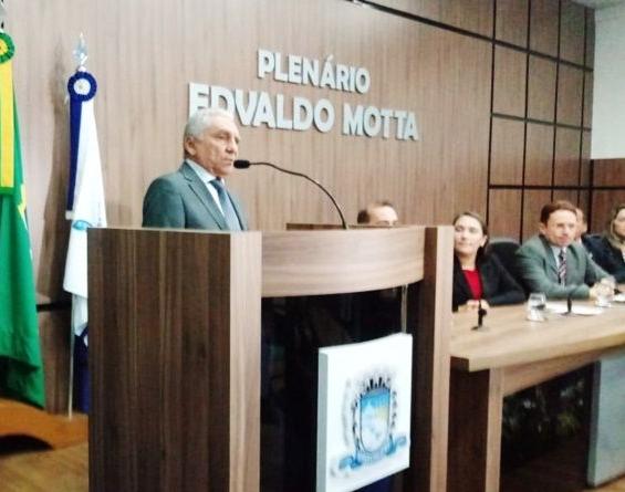A Câmara Municipal de Patos empossou o vice-prefeito de Patos 8b501ffe1536d
