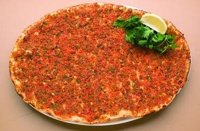 Manger turc la cuisine turque lahmacun pizza turque - Cuisine turc traditionnel ...