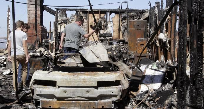 Incendios en California dejan 15 muertos; Trump declara emergencia