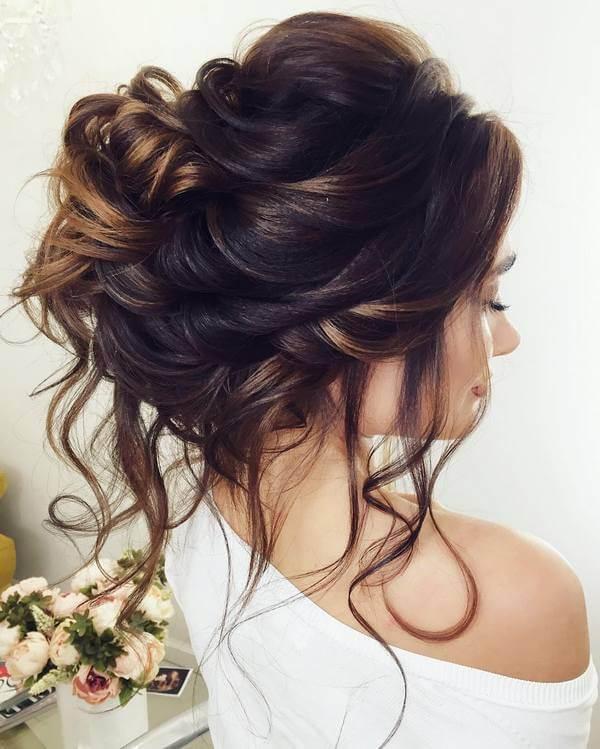 gösterişli gelin saçı modelleri