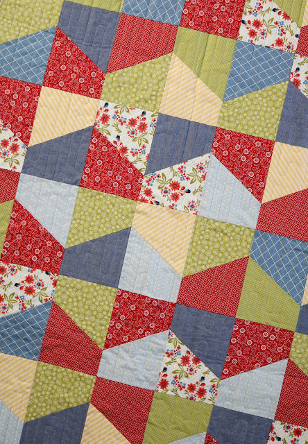 Lofty quilt pattern from Andy of A Bright Corner.  A fat quarter friendly pattern in four sizes!
