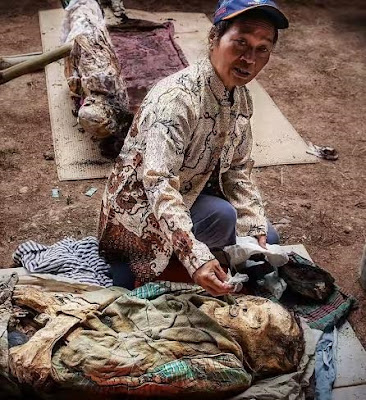 Graphic: SEE Festival In Indonesia Where The Dead Are Celebrated, Centuries-Old Corpses Exhumed
