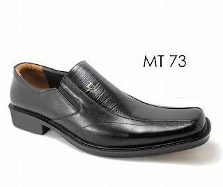 bikin sepatu merek dan desain sendiri