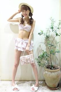 http://ameblo.jp/lizlisa-official/entry-12024859312.html