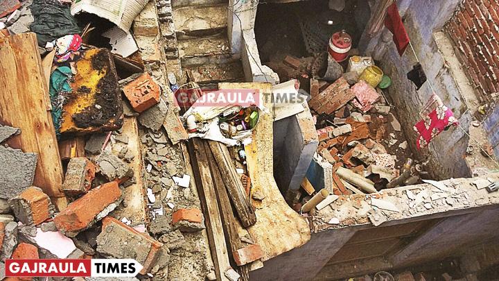 amroha-patakha-factory-blast