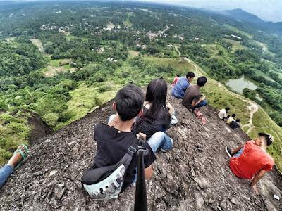 Objek Wisata Ini Beda Dari Yang lainnya, Bukit Batu Manda Sumbar.