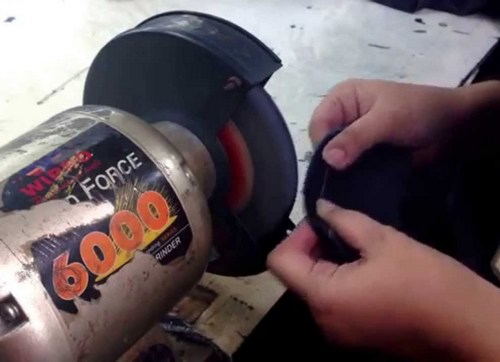 Grinding of jeans