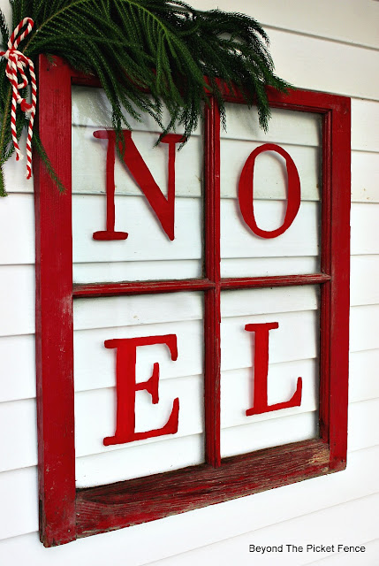 Christmas project, old window, Noel sign, Fusion Mineral Paint, https://goo.gl/BcyJKv