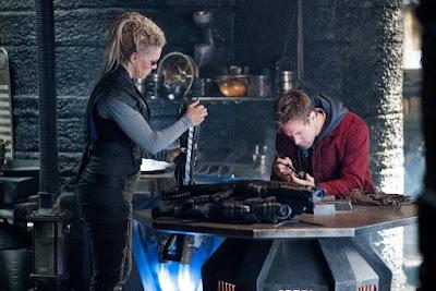 Krypton Season 2 Hannah Wadddingham Shaun Sipos Image 2