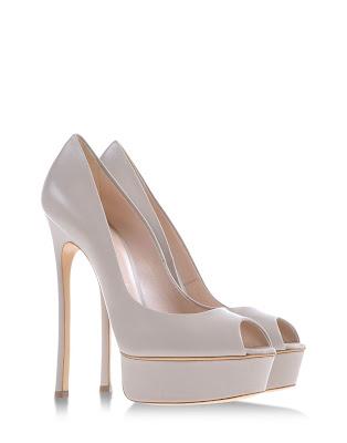 Zapatos de moda blancos