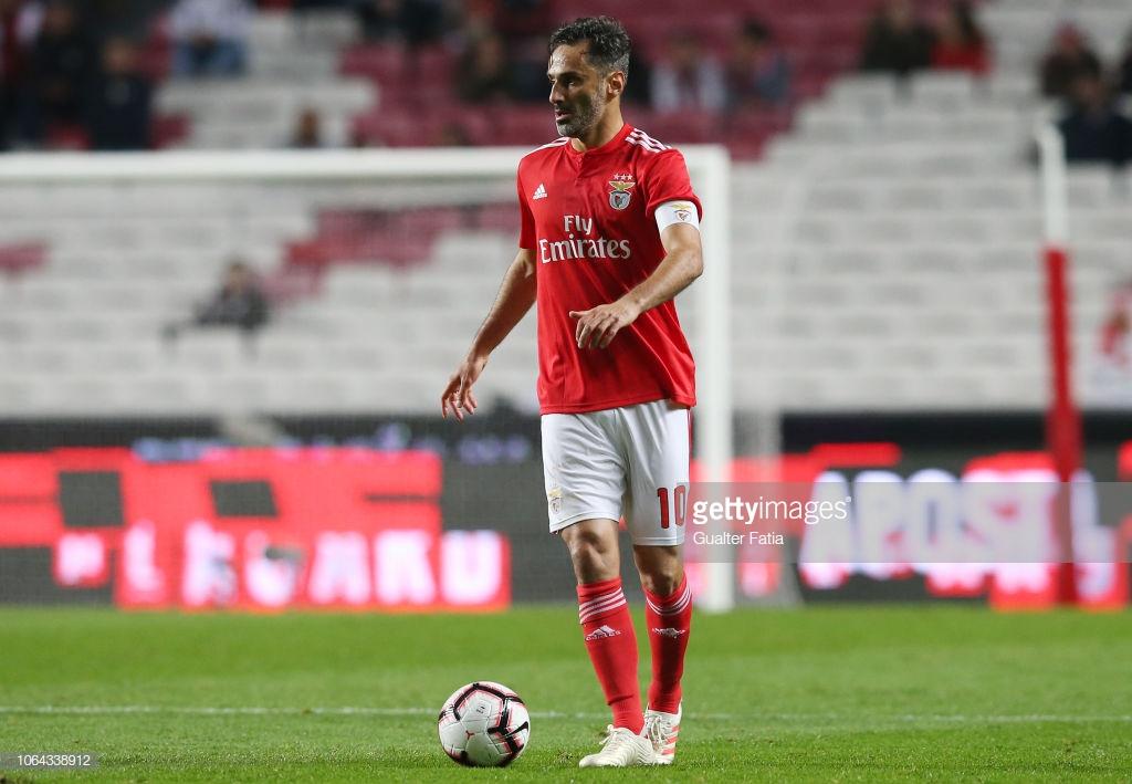 Ver Jonas a Capitão do Benfica. A única maravilha em mais uma noite de  futebol tenebroso. 2e55625e82885