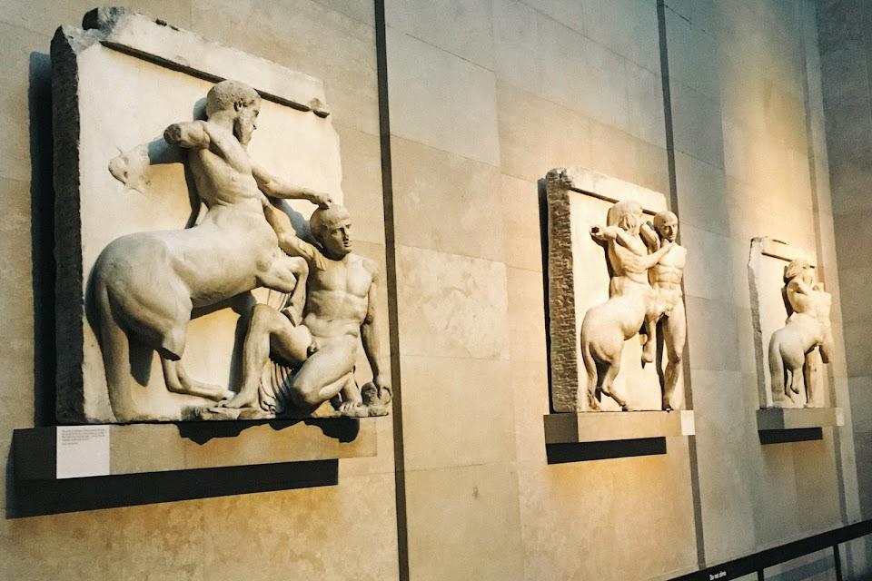 パルテノン神殿(Parthenon)南破風浮彫