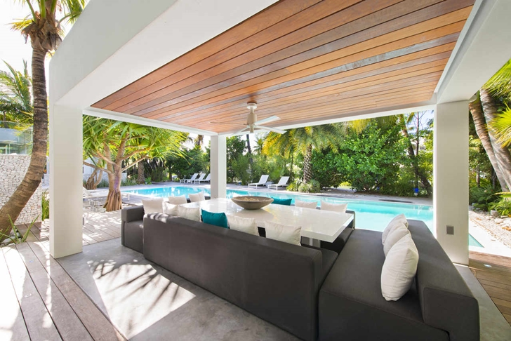 Covered terrace in Modern mansion in Miami