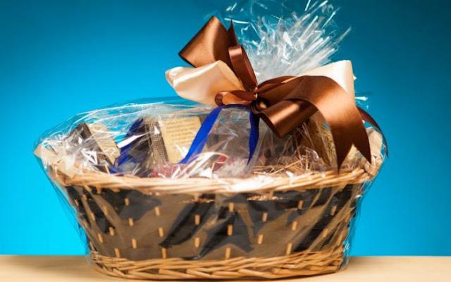 6 Ide Membuat Paket Lebaran Sendiri di Rumah