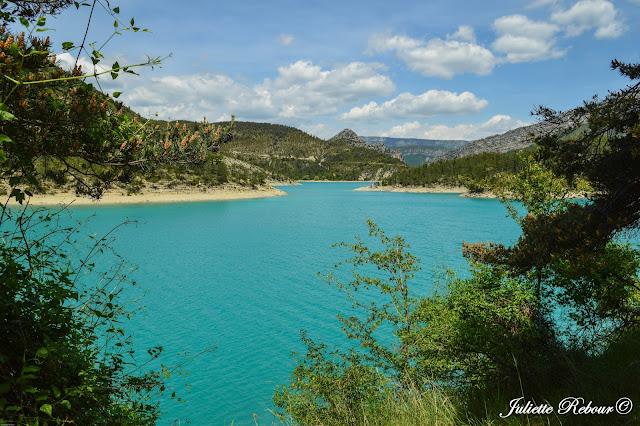 https://lecomptearebour.blogspot.com/2017/09/parc-naturel-regional-gorges-du-verdon.html