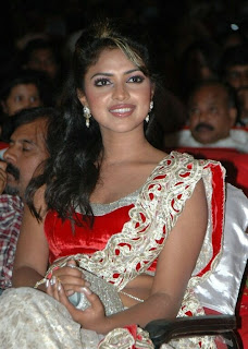 WWW.BOLLYM.BLOGSPOT.COM Amala Paul in Designer Indian Saree at Vettai Tamil Movie Audio Launch Function Picture Stills Gallery 0002.jpg